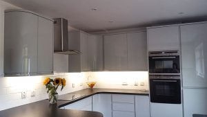 new kitchen, cooksleep, cooksleepnavenby, kitchen transformation, curves, lighting, light grey, glossy