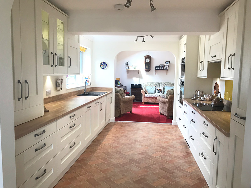cooksleep, new kitchen, navenby kitchen, buckingham ivory door from trade mouldings, brightened room, whole room, natural light