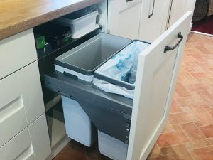 cooksleep, new kitchen, navenby, buckingham ivory door, integrated soft close bin
