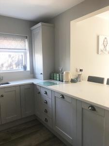 cook sleep, kitchen stori, kitchen renovation, kitchen transformation, new kitchen, cupboards, integrated appliances